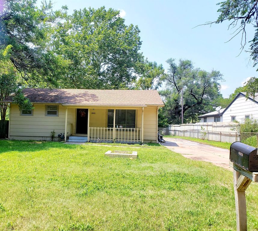 4823 S Madison Ave, Wichita, KS 67216
