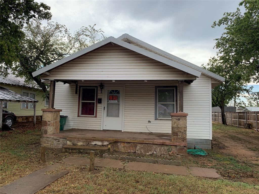 1204 Blewett St, Graham, TX 76450