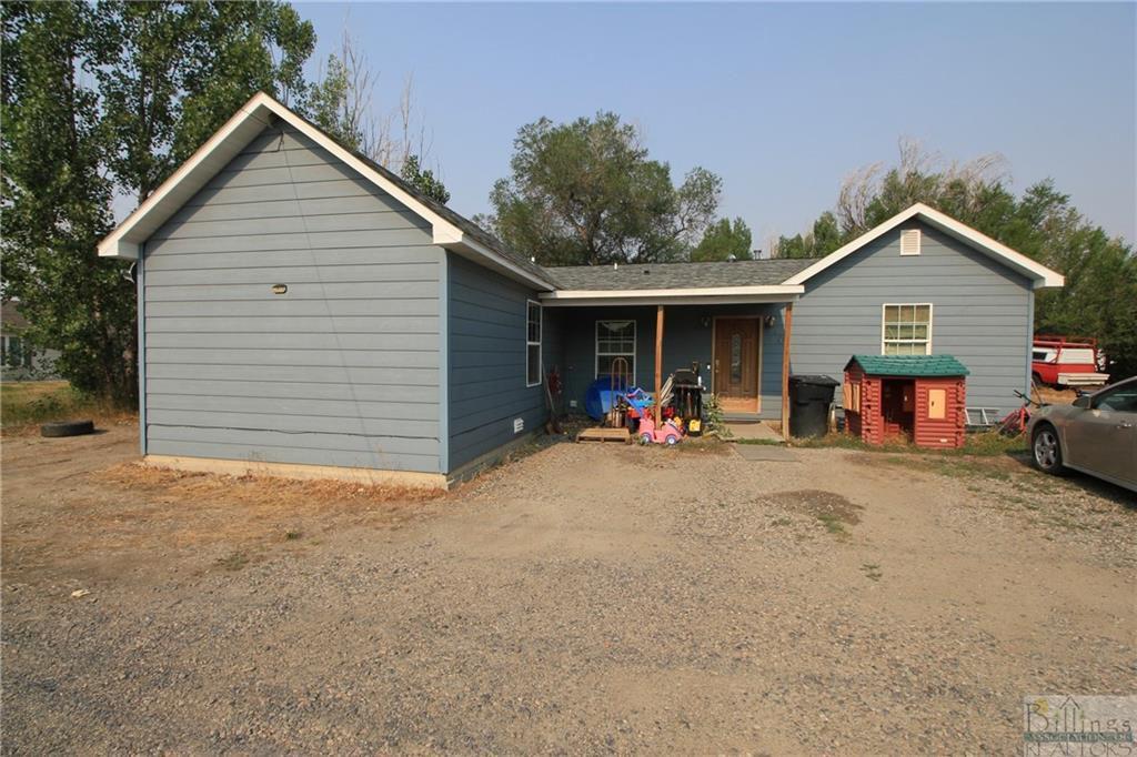 704 8th Ave, Laurel, MT 59044