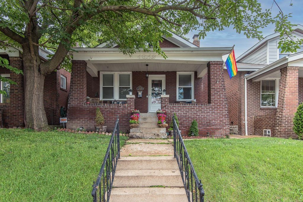 4949 Delor St, Saint Louis, MO 63109