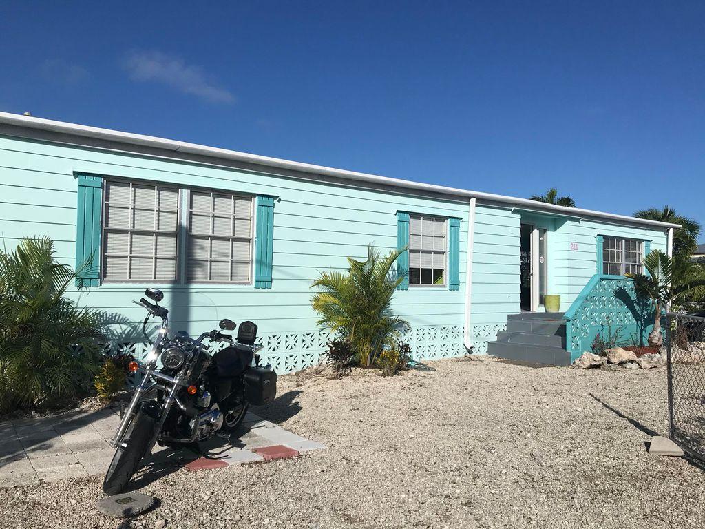 211 W 2nd Ct, Key Largo, FL 33037