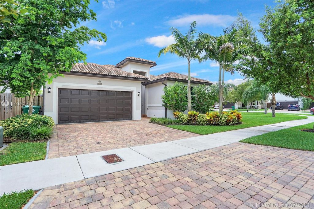 25451 SW 121st Ave, Homestead, FL 33032