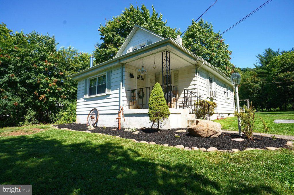 380 Mels Ln, Harrisburg, PA 17112