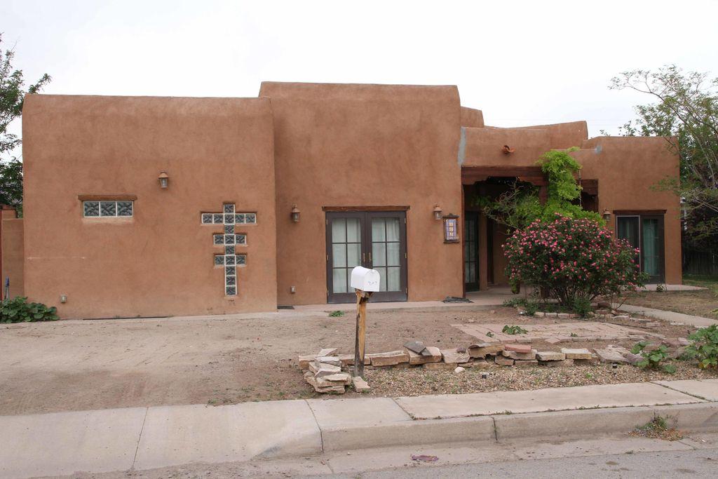 803 Liles St, Socorro, NM 87801
