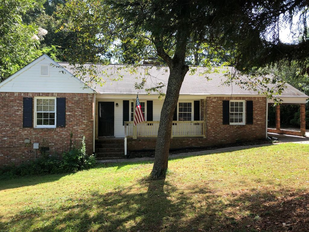 7 Hillside Dr, Hampton, GA 30228