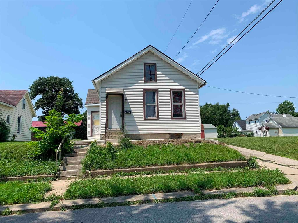 1721 Hensch St, Fort Wayne, IN 46808