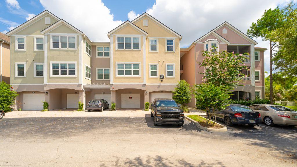 3384 Corona Village Way #201, Orlando, FL 32835