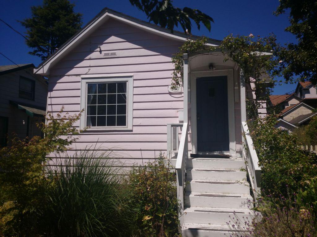 616 NW 53rd St, Seattle, WA 98107