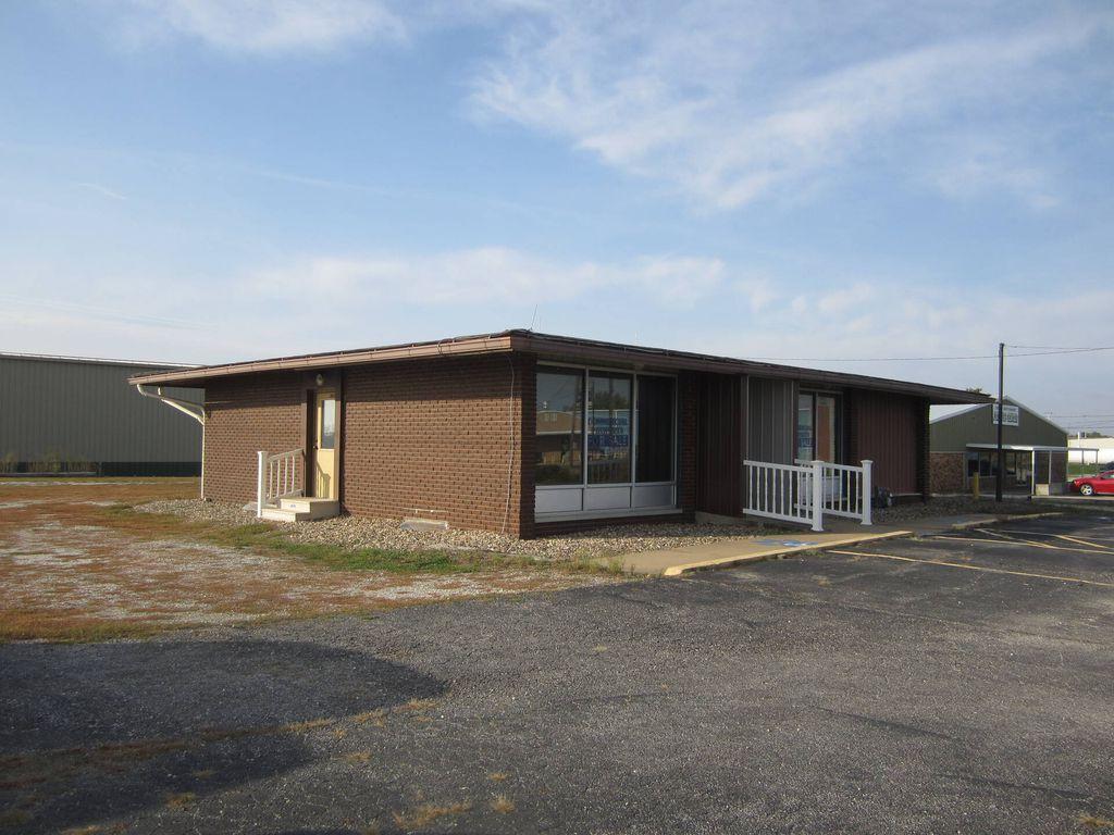 557 E Grand Ave, Memphis, MO 63555