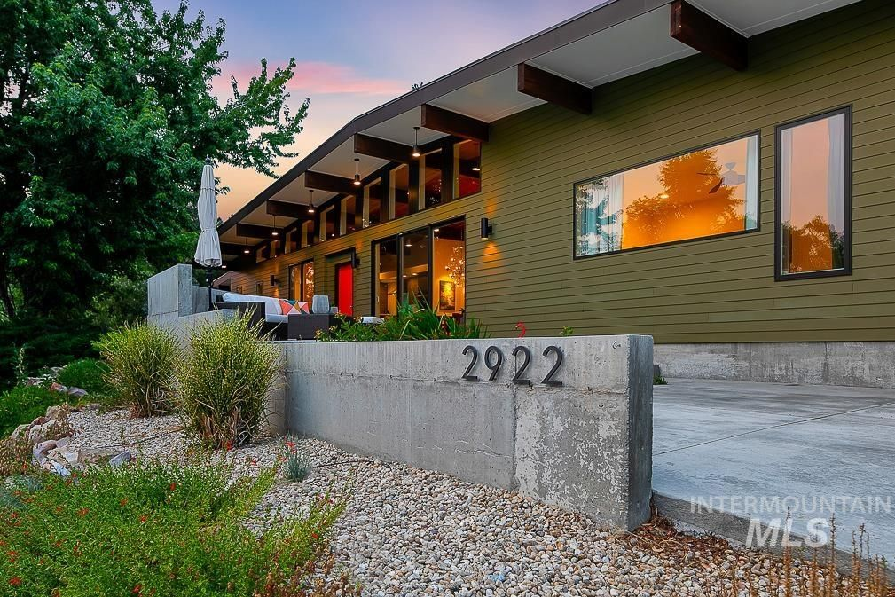 2922 E Starview Dr, Boise, ID 83712