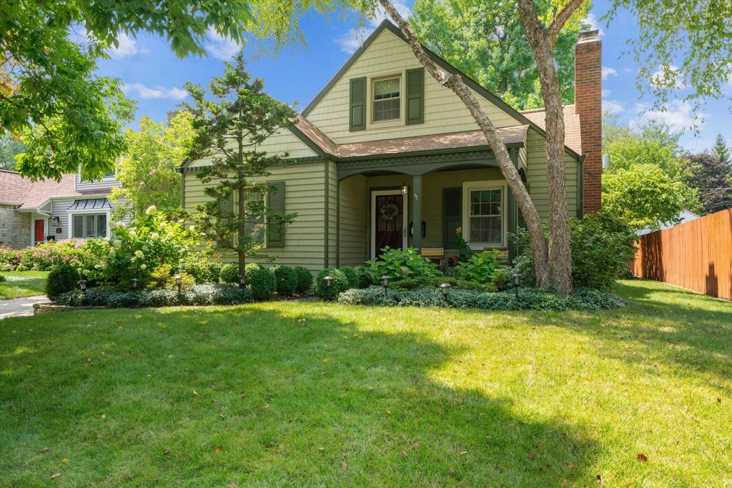 865 Francis Ave, Bexley, OH 43209