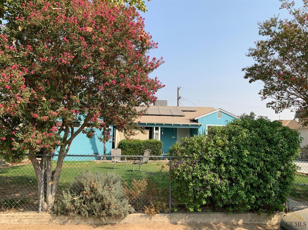 108 Circle Dr, Bakersfield, CA 93308