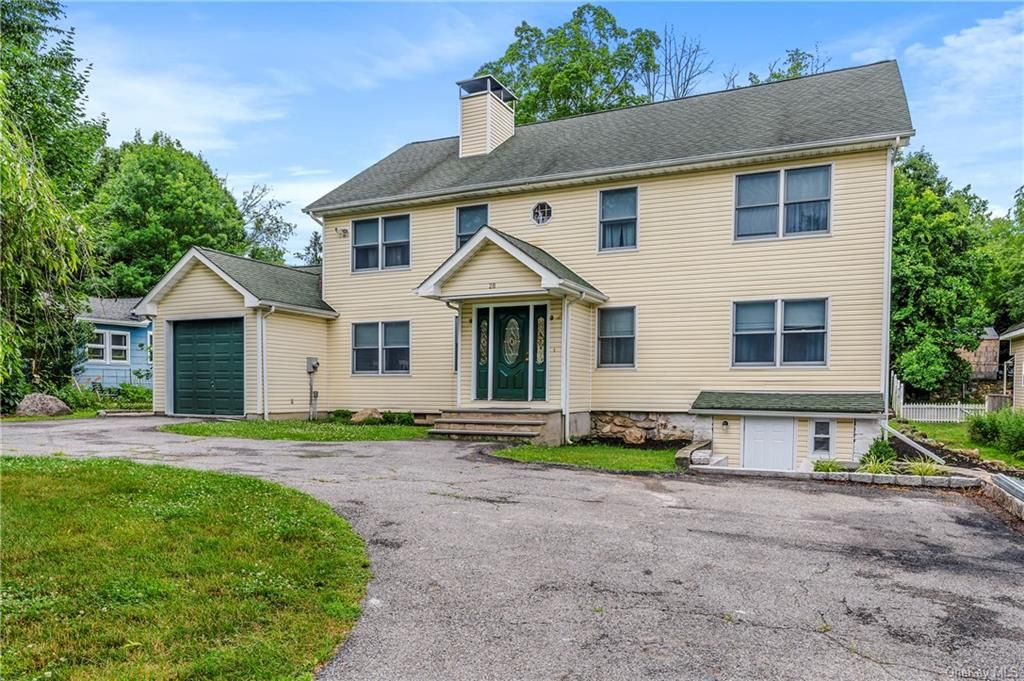 28 Forest Ln, Yorktown Heights, NY 10501