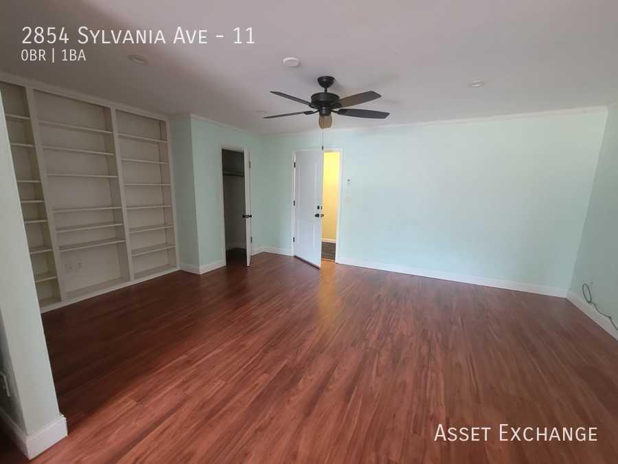 2854 W Sylvania Ave #11, Toledo, OH 43613