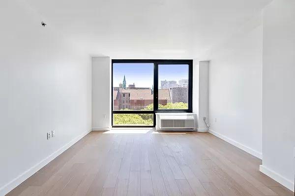 1790 3rd Ave #804, New York, NY 10029