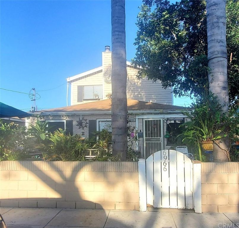 6966 Lake Ave, Long Beach, CA 90805