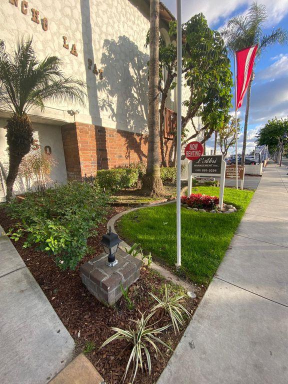 12450 S Lakewood Blvd, Downey, CA 90242