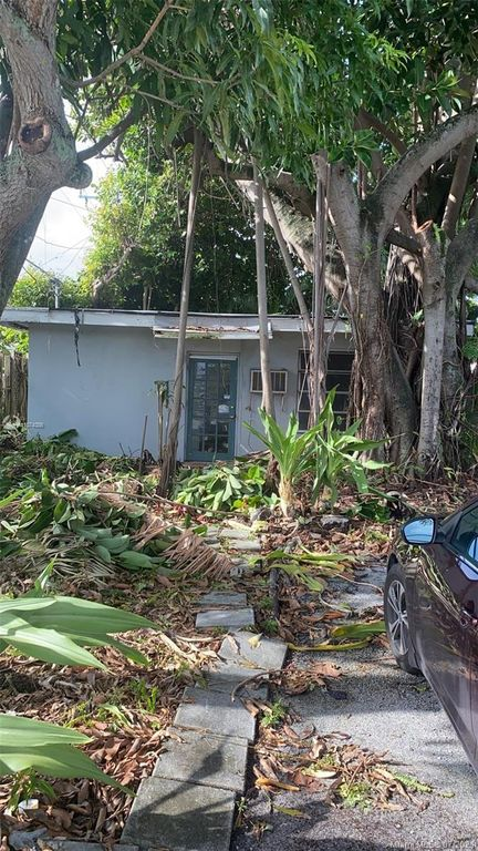 120 NW 16th St, Fort Lauderdale, FL 33311
