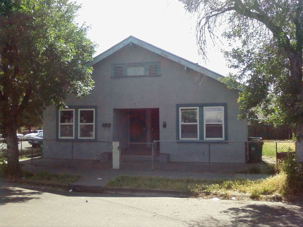 439 S Sierra Nevada St, Stockton, CA 95205