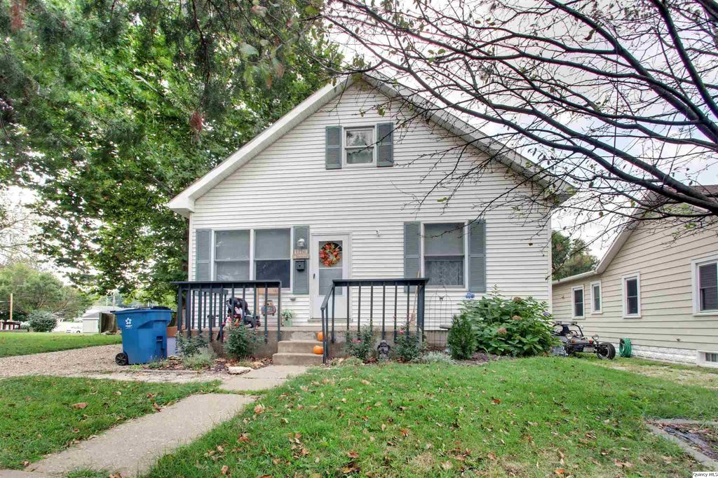 1716 Spruce St, Quincy, IL 62301