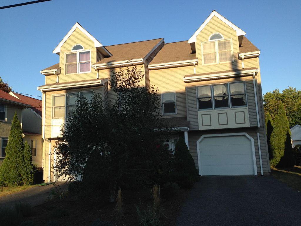 24 Keefe Ave, Newton Upper Falls, MA 02464
