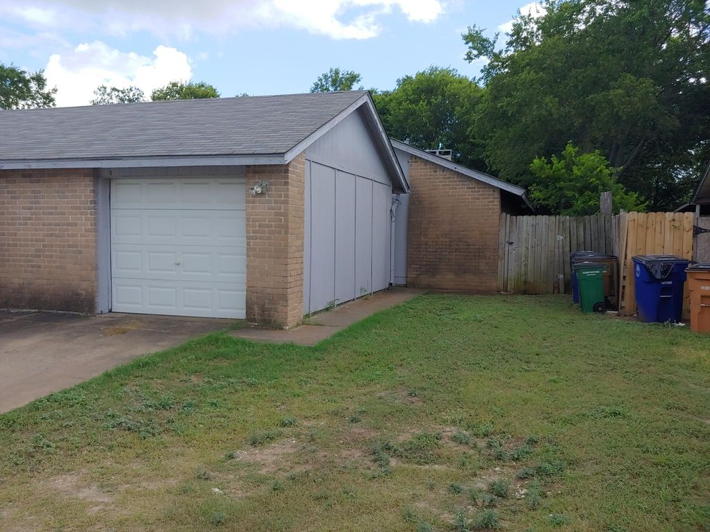 1105 Windy Trl #B, Austin, TX 78758