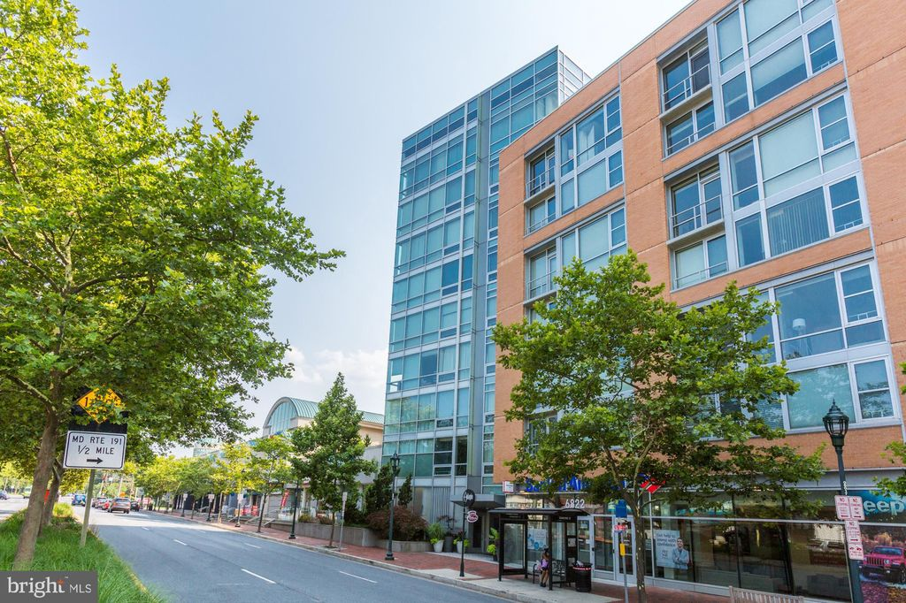 6820 Wisconsin Ave #7002, Chevy Chase, MD 20815
