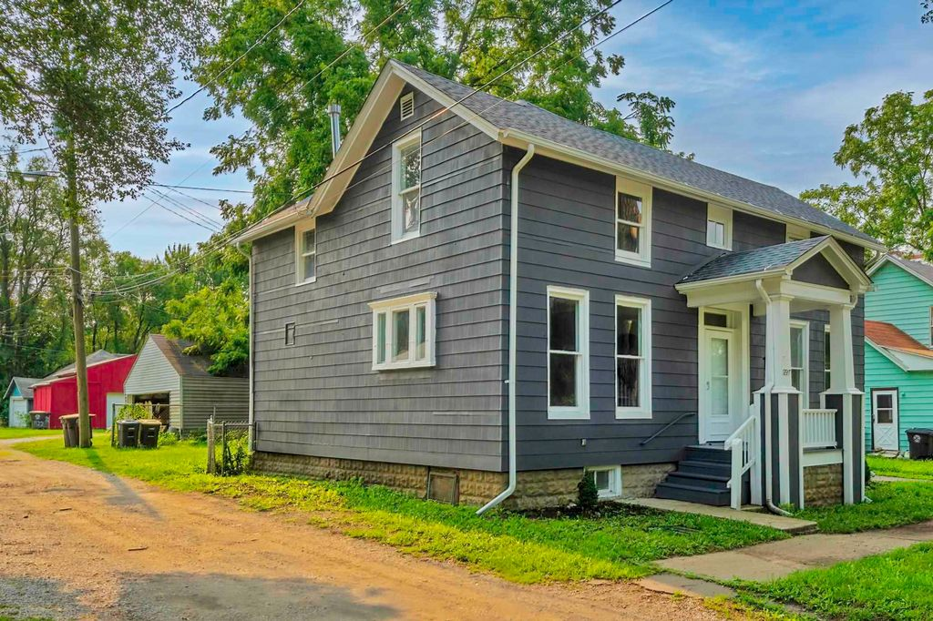 1227 College St, Fort Wayne, IN 46802