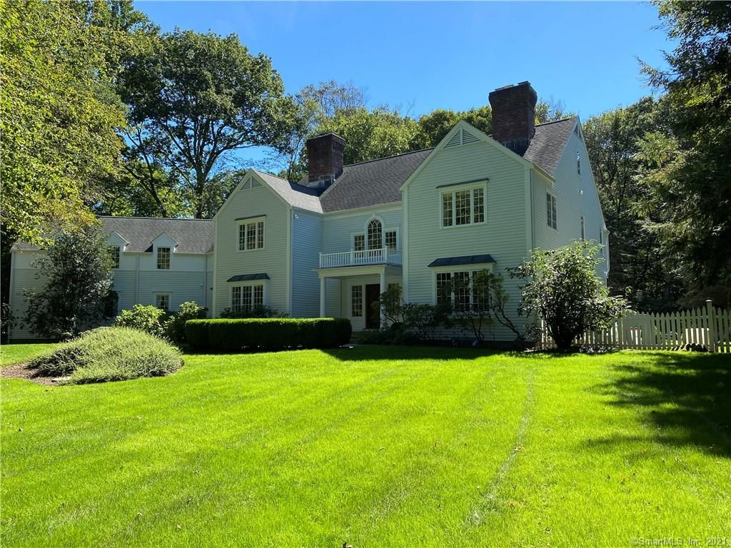 105 Clearview Ln, New Canaan, CT 06840