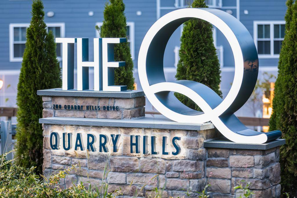 200 Quarry Hills Dr, Quincy, MA 02169