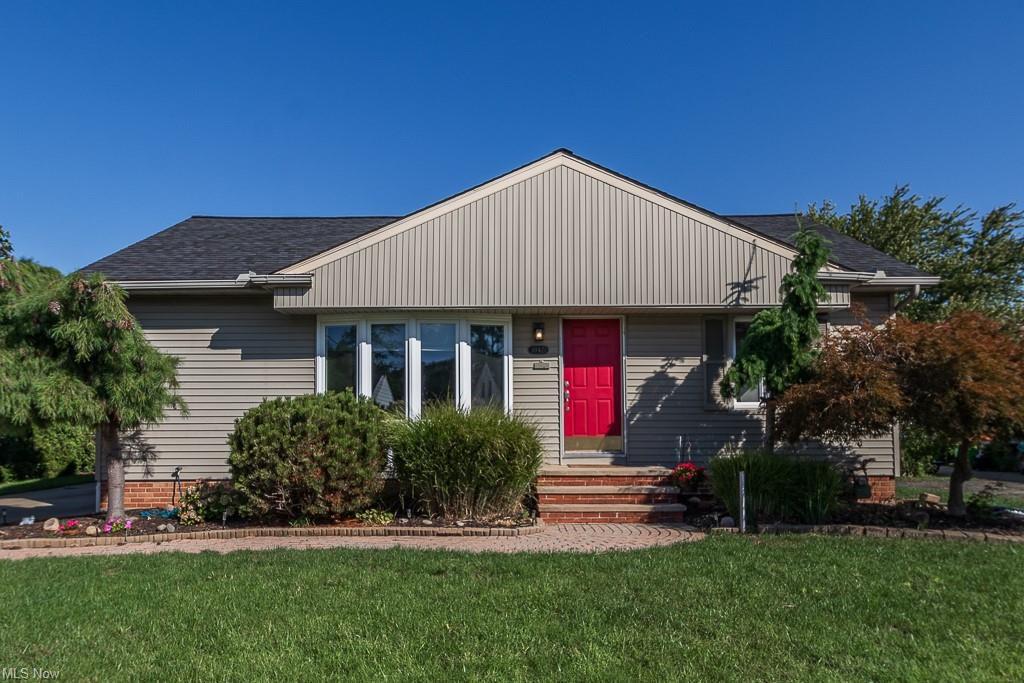 30421 Oakdale Rd, Willowick, OH 44095