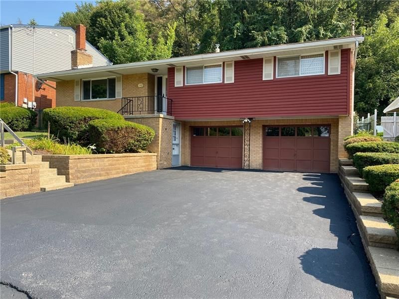 142 Castle Dr, Pittsburgh, PA 15235