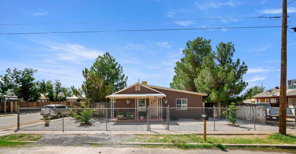 1114 Catalina Ln, Alamogordo, NM 88310