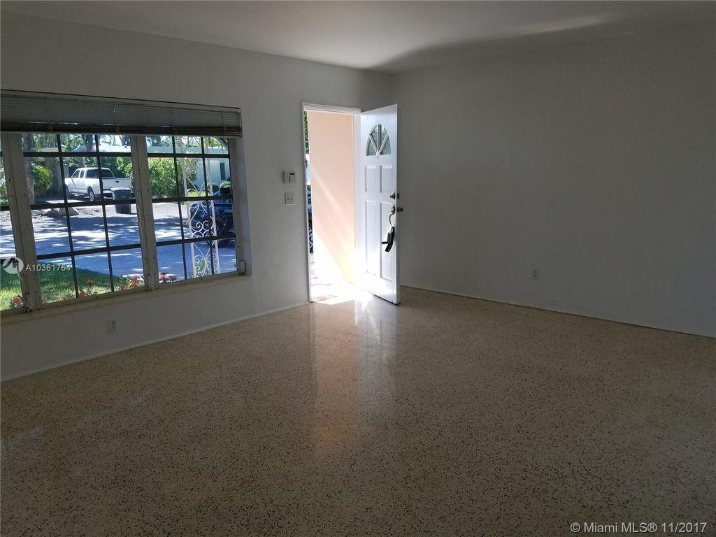 2125 Alamanda Dr, Miami, FL 33181