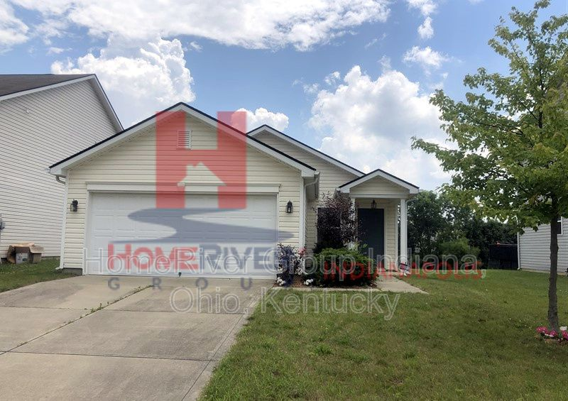 11653 High Grass Dr, Indianapolis, IN 46235