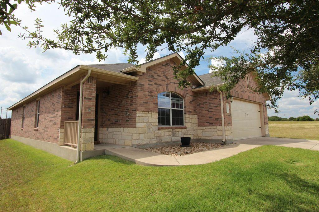 1067 W South St, Leander, TX 78641