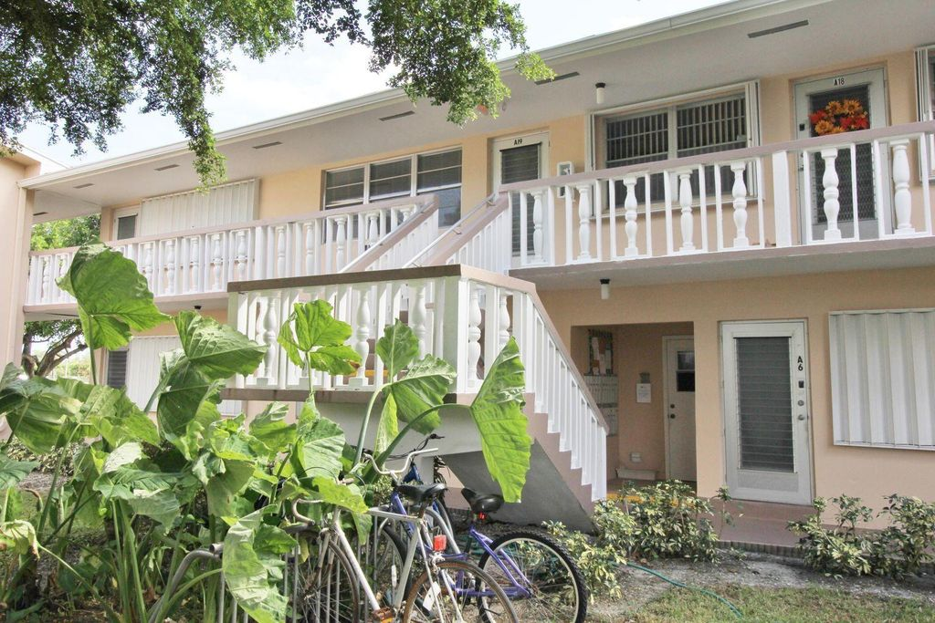 19 Salisbury #A, West Palm Beach, FL 33417