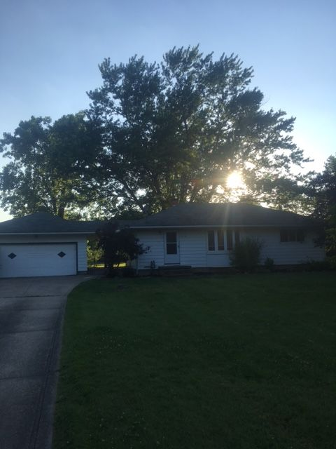 1318 Blueberry Hill Dr, Brunswick, OH 44212