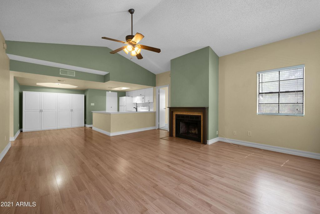 2855 S Extension Rd #223, Mesa, AZ 85210