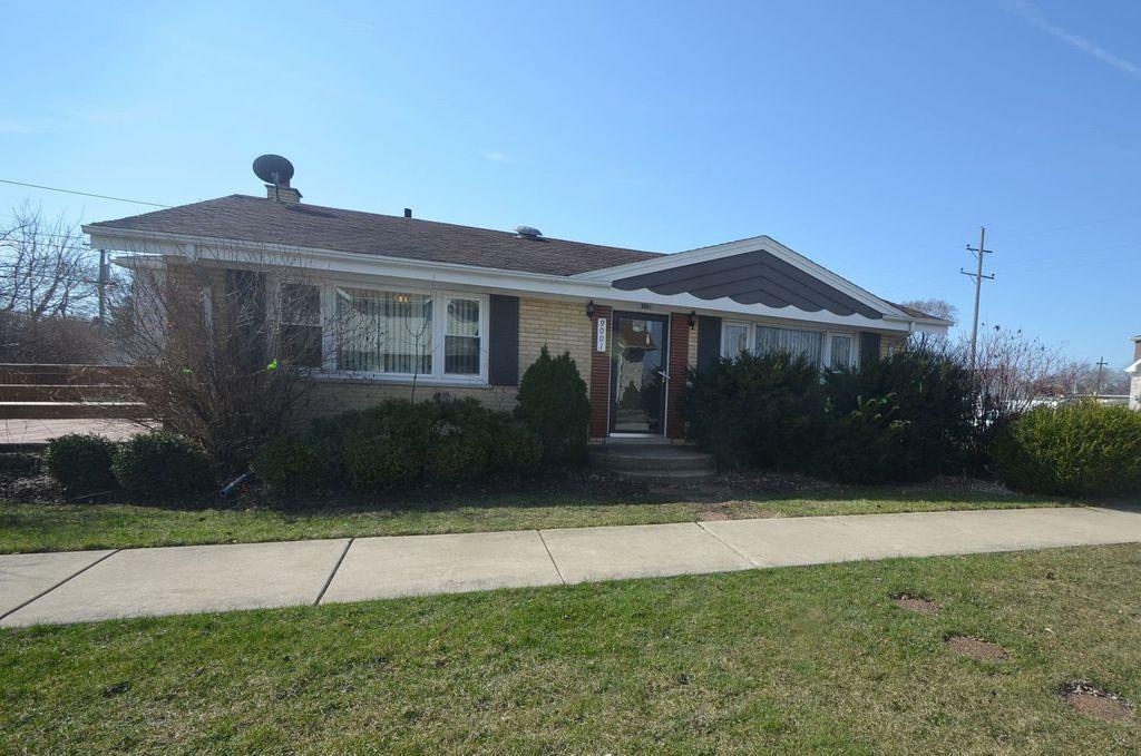 9001 Parkside Ave, Oak Lawn, IL 60453