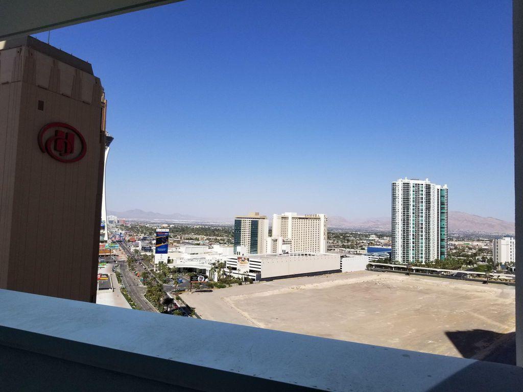 2700 Las Vegas Blvd S #1807, Las Vegas, NV 89109