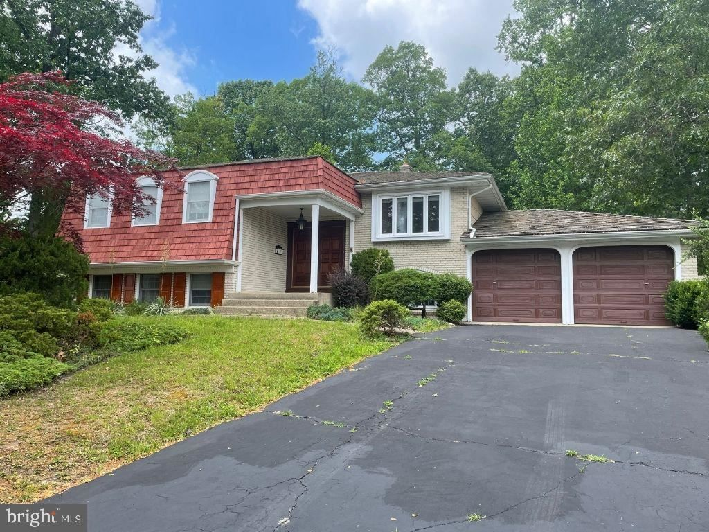10 Tracey Ter, Cherry Hill, NJ 08003
