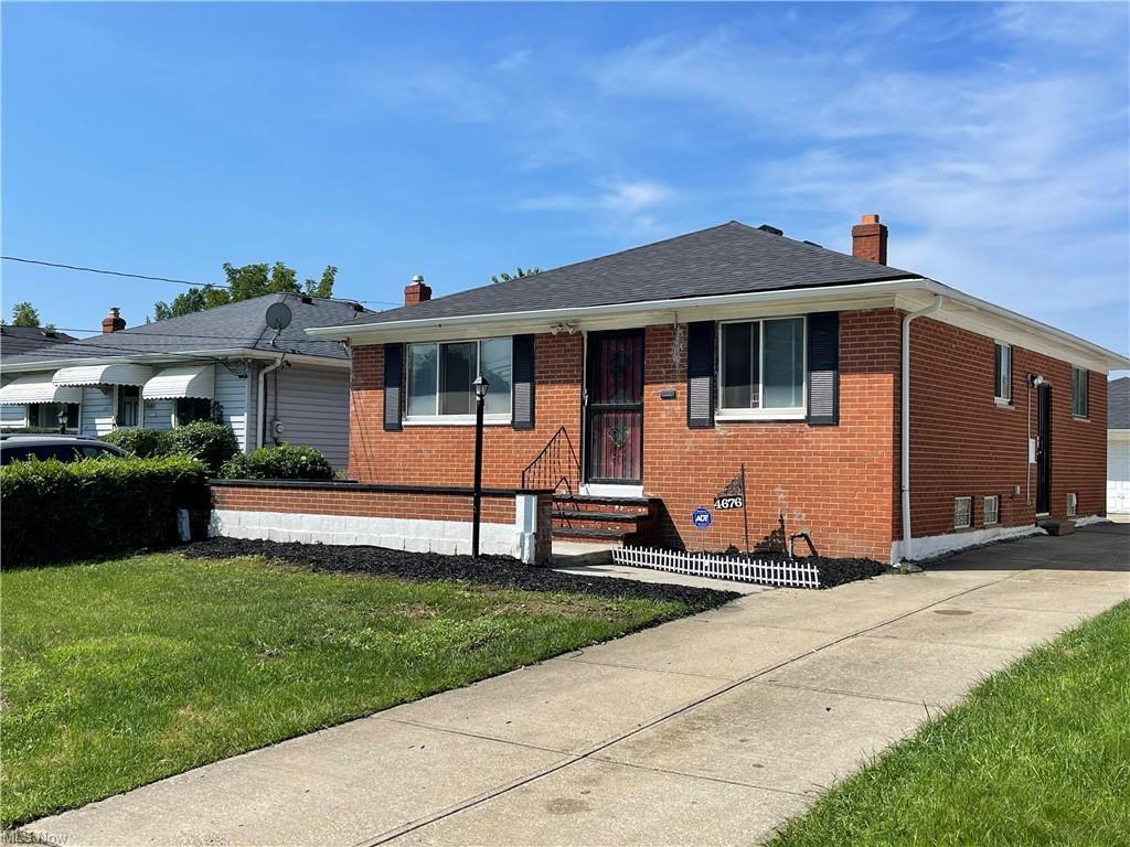 4676 Beechgrove Ave, Garfield Heights, OH 44125