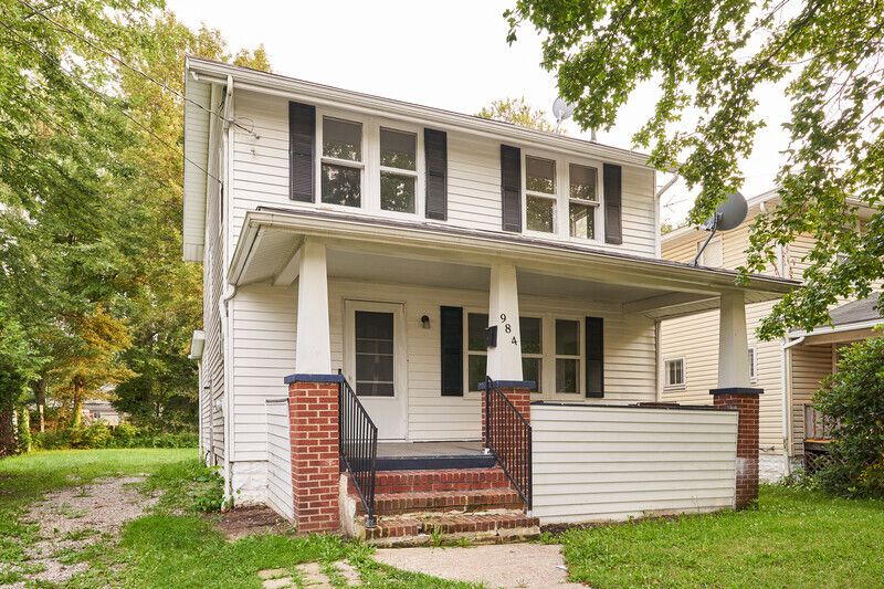 984 Hunt St, Akron, OH 44306