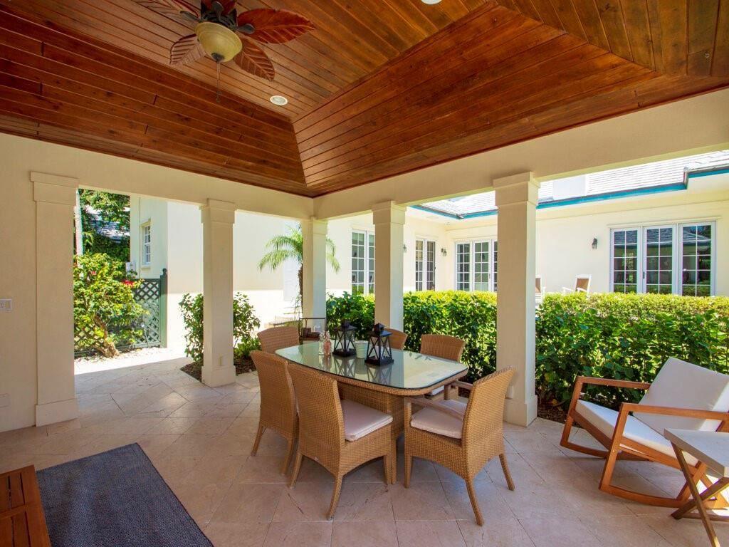 986 Riomar Dr, Vero Beach, FL 32963