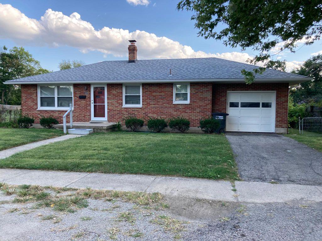 1820 Fieldstone Dr, Dayton, OH 45414