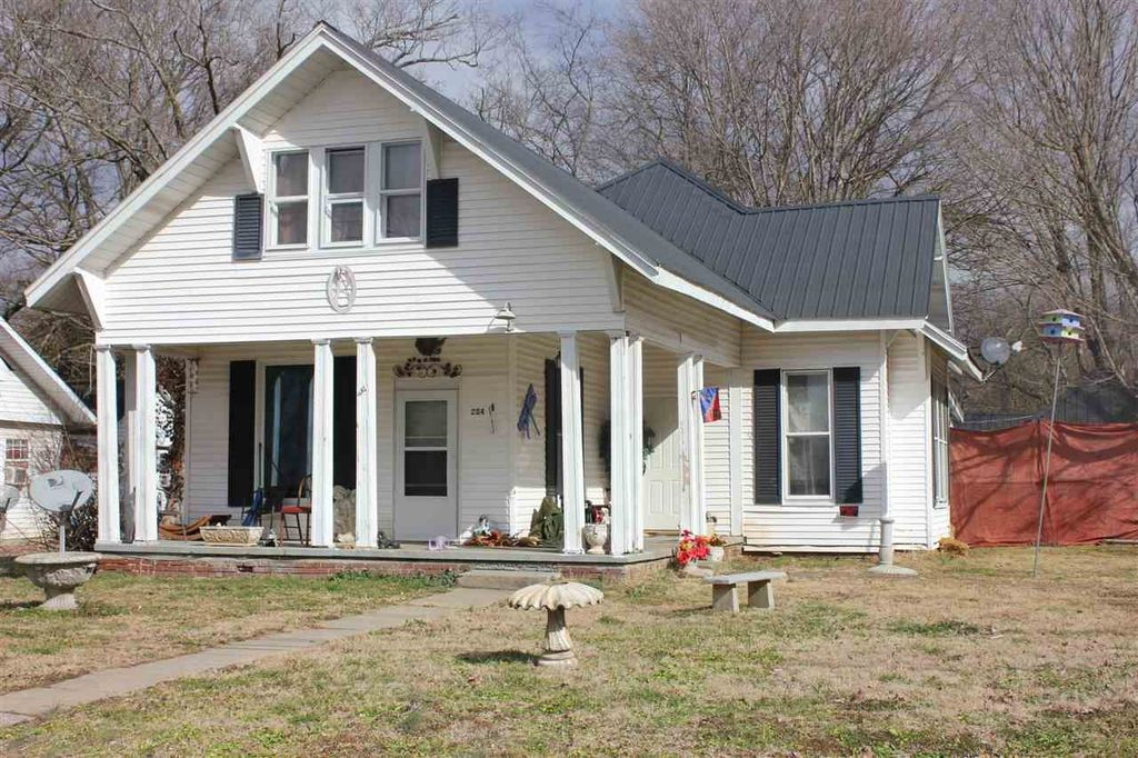 234 N Spring St, Russellville, KY 42276