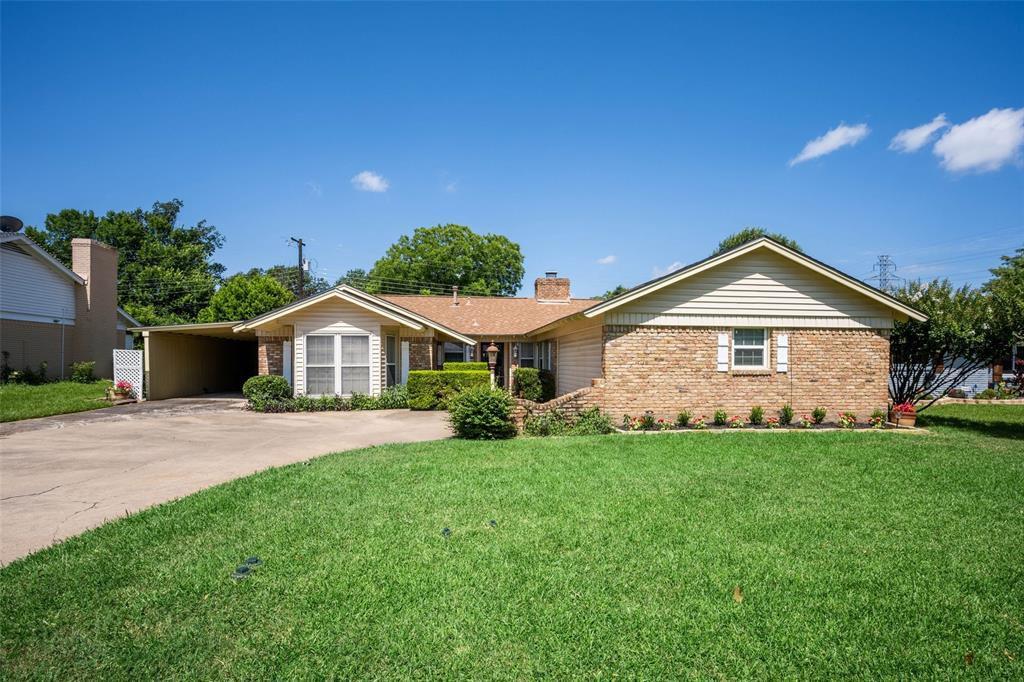 6908 Hallmark Dr S, Fort Worth, TX 76134