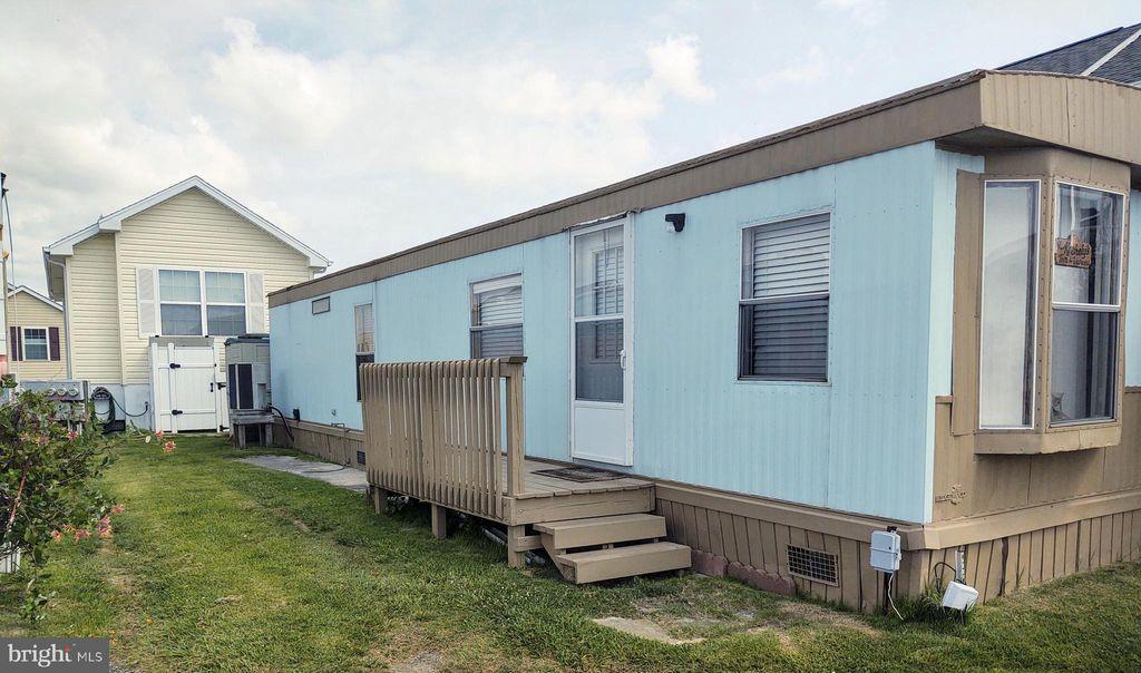 24 Bay Overlook Ln, Ocean City, MD 21842