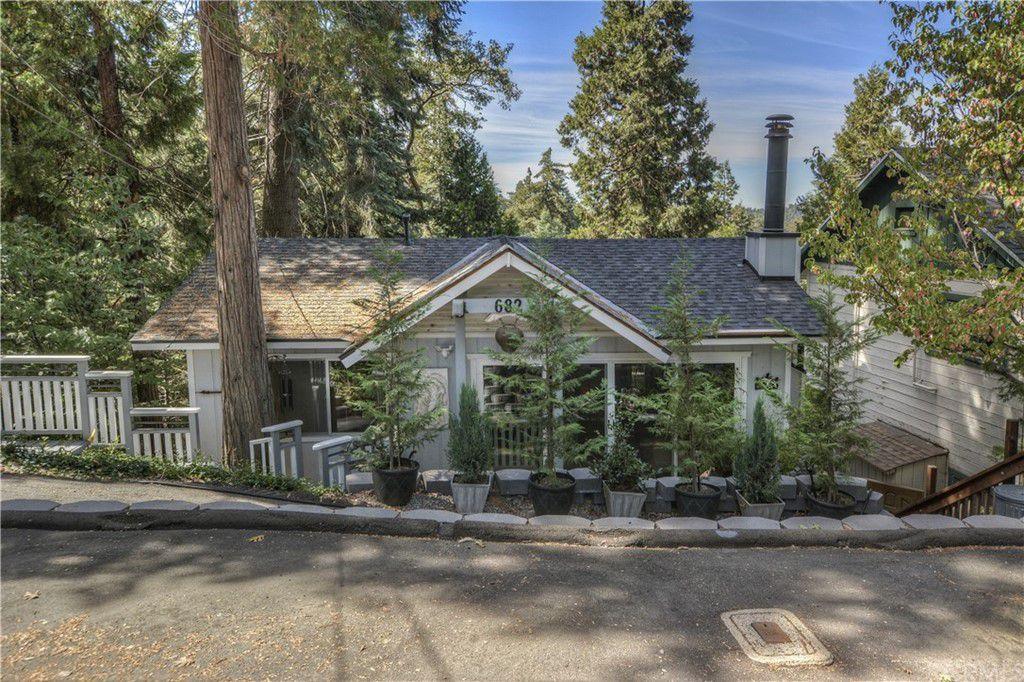 682 Buckingham Sq, Lake Arrowhead, CA 92352